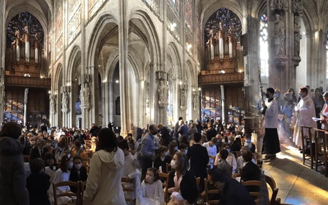 Baptêmes et premières communions d'octobre 2021 par M.HOLYMAN